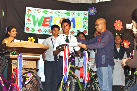 til-gifts-Stryder-bicycles-to-the-best-students-at-a-Mumbai-municipal-school-big